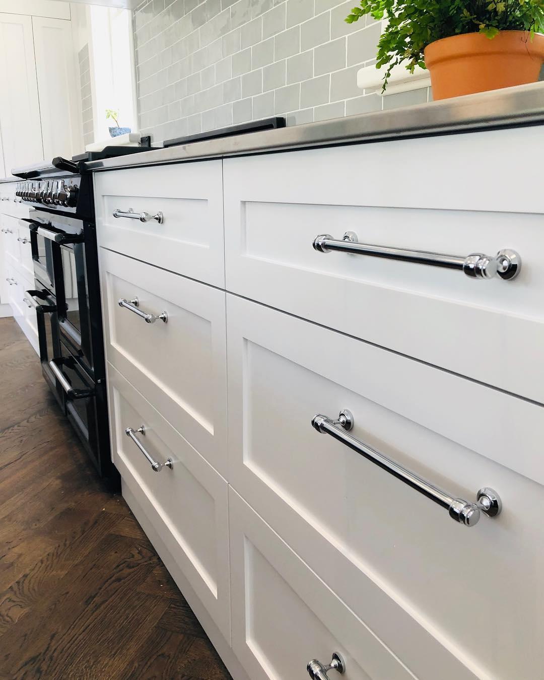 Mayfair Hampton Style Kitchen Cabinet handles in Various ...